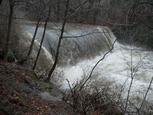 Williamsburg Falls