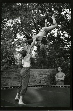 Julyen Hamilton, Nancy Stark Smith trampoline